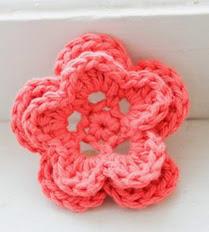http://translate.googleusercontent.com/translate_c?depth=1&hl=es&rurl=translate.google.es&sl=en&tl=es&u=http://www.1dogwoof.com/2013/01/5-petal-crochet-flower.html&usg=ALkJrhiGqDtRbMwEBZQFpIQu9ugxEXnuSg