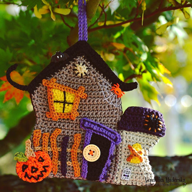 Crochet Haunted house - crochet pattern by Vendula Maderska
