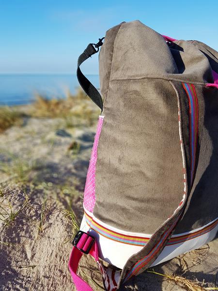 Packs ein von farbenmix als Strandtasche