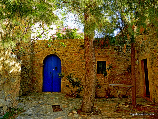 Pátio de uma casa típica de Monemvasia, Grécia