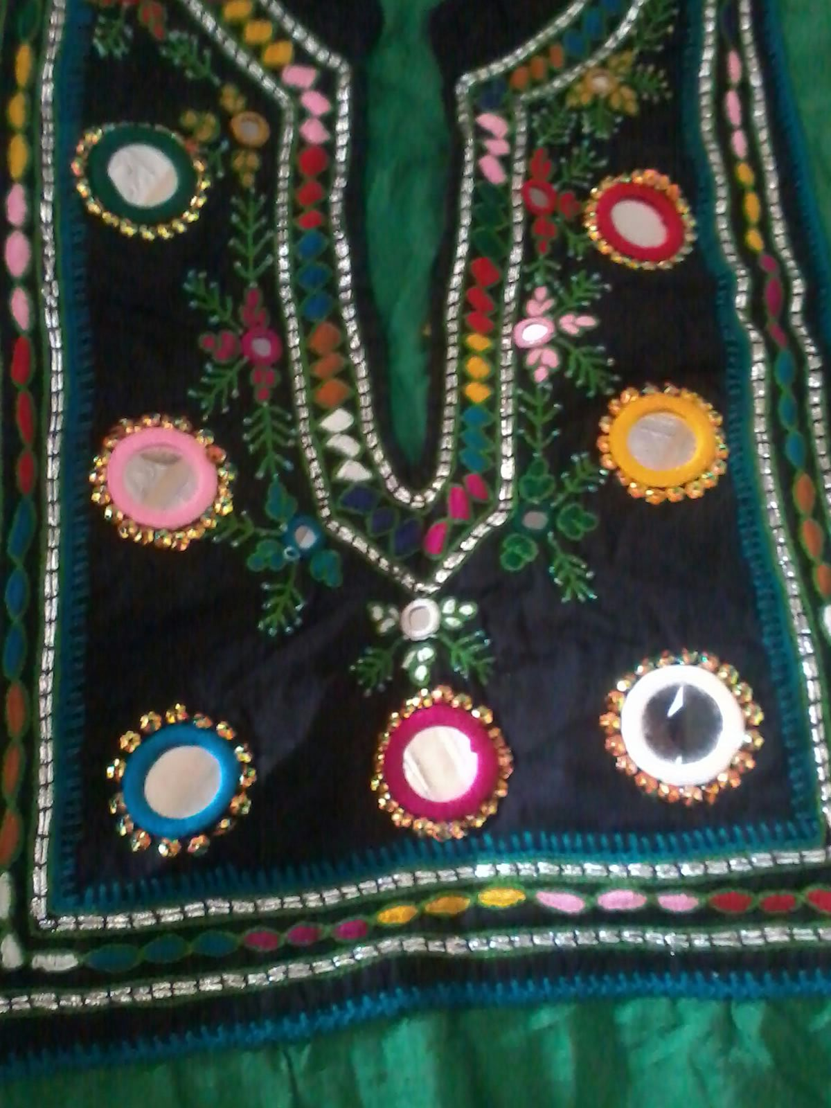 Hand Embroidery Designs With Mirror Work