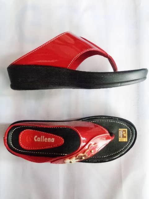 Sandal wanita Callena model Japit merah atas samping