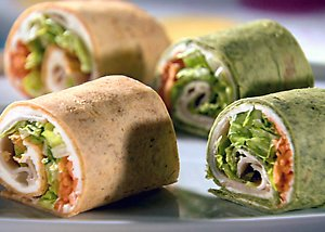 Turkey Wrap with Veggie Cream Cheese Under 400 calories #healthywraprecipe