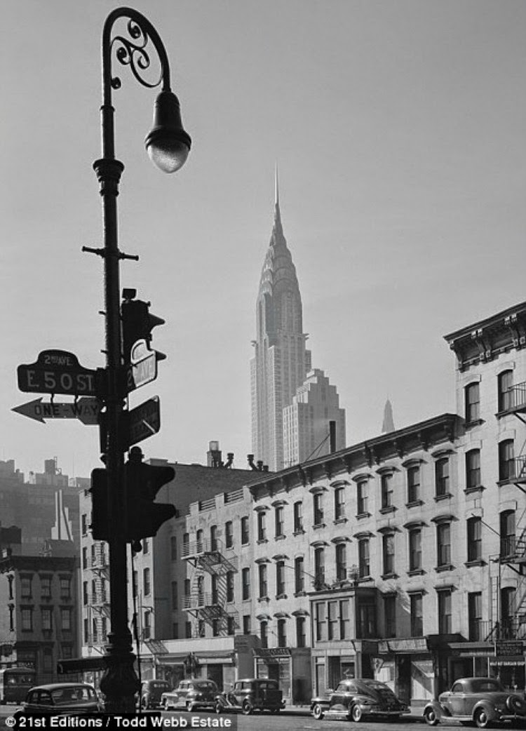 A Vintage Nerd, Vintage Photography, Vintage Blog, 1940s New York, Vintage New York, Black and White Photography