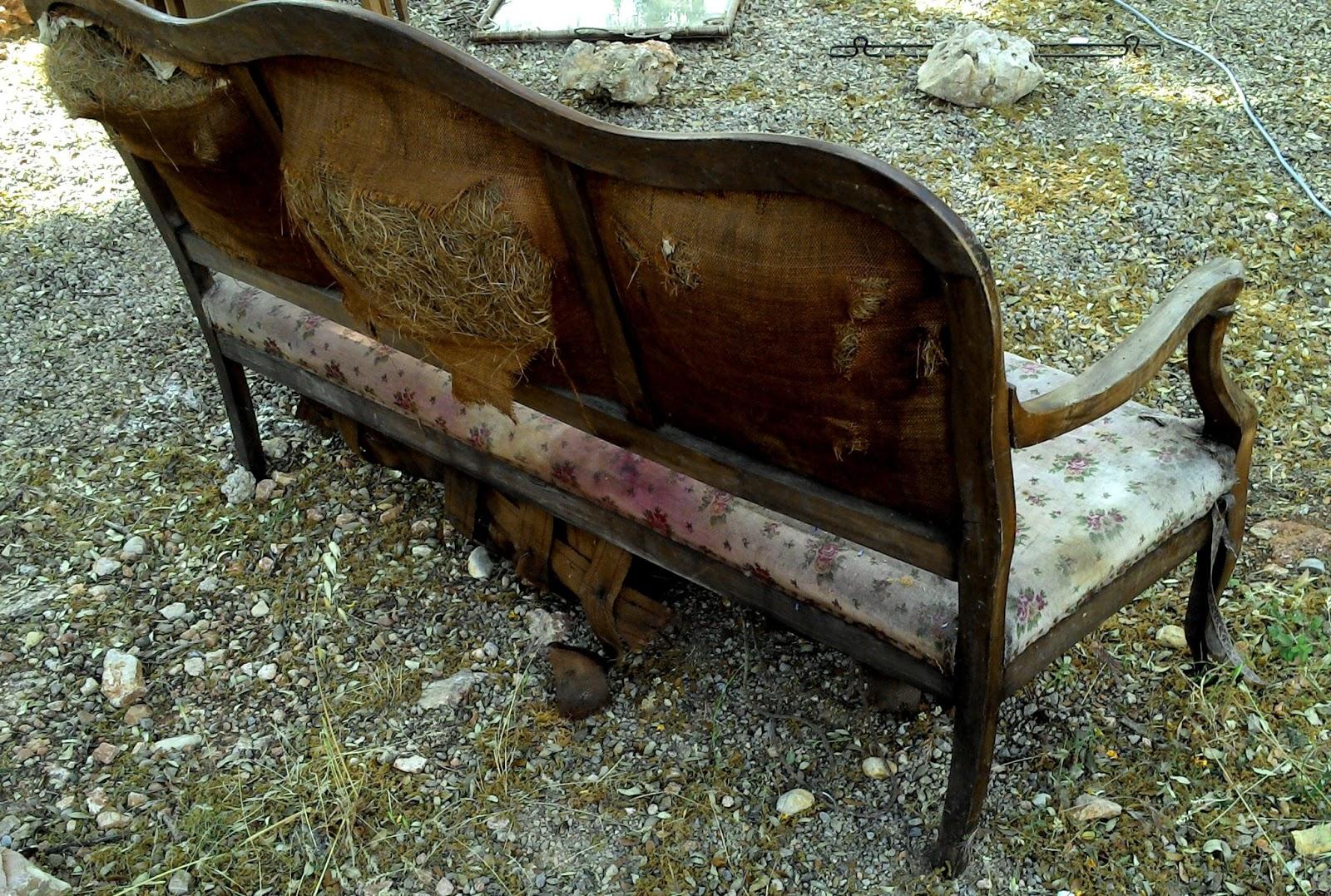 ancienne banquette poque louis philippe a restaurer. Black Bedroom Furniture Sets. Home Design Ideas