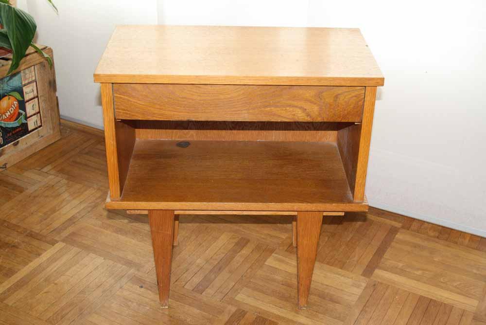 je chine pas en chine table de nuit vintage. Black Bedroom Furniture Sets. Home Design Ideas