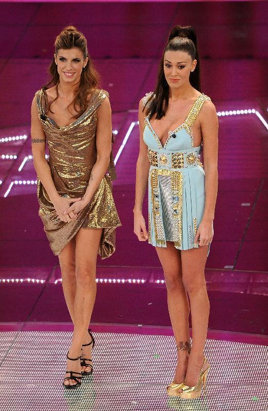 New donna blog  Sanremo 2011  il look delle co-conduttrici (quarta ... 54ef9534789
