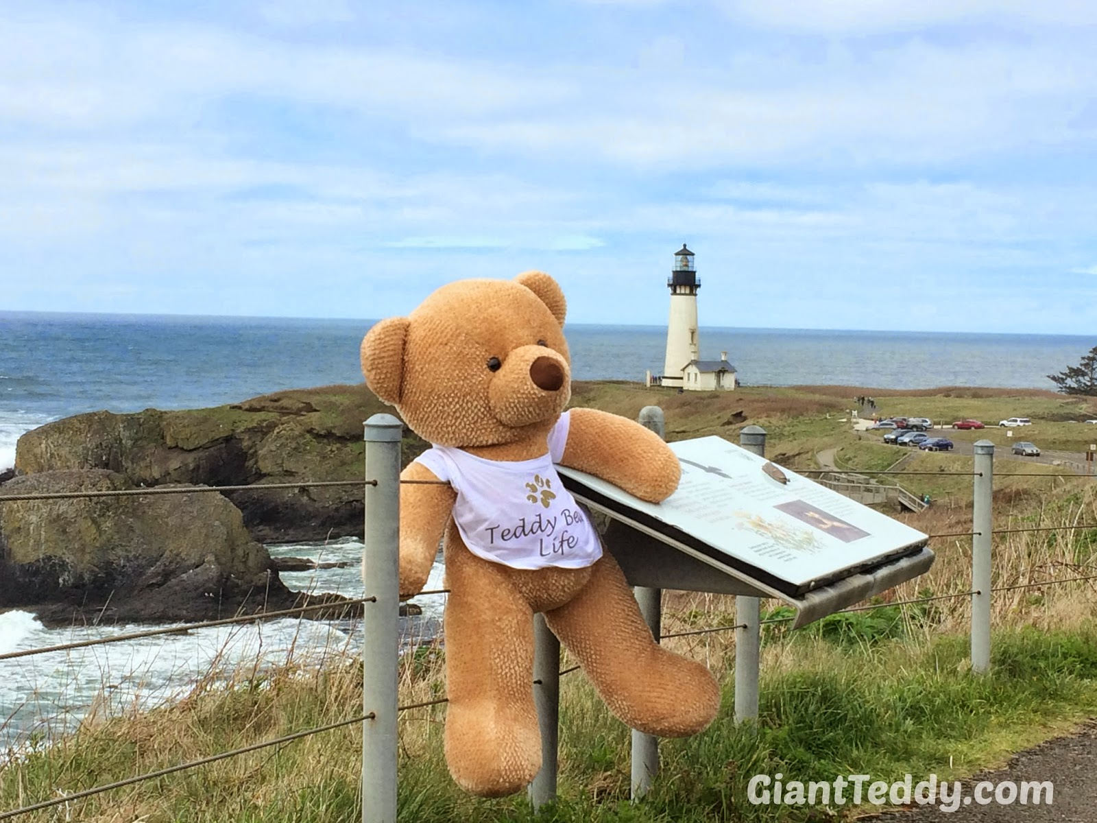 Cutie Chubs spends some time enjoying the beauty of Portland Oregon and learning about lighthouses