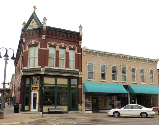 Grinnell Iowa A Small Midwestern Town With Roots In The Past