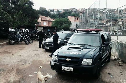 ROMO da GCM de Santo André recupera veículos e carga roubada na divisa da famigerada Favela do Elba em São Paulo