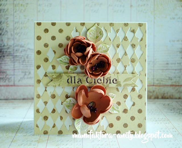 kartka ozdobiona kwiatami foamiranu