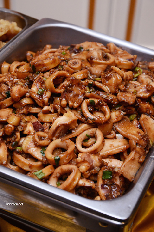 Sauteed Squid with Garlic Sauce