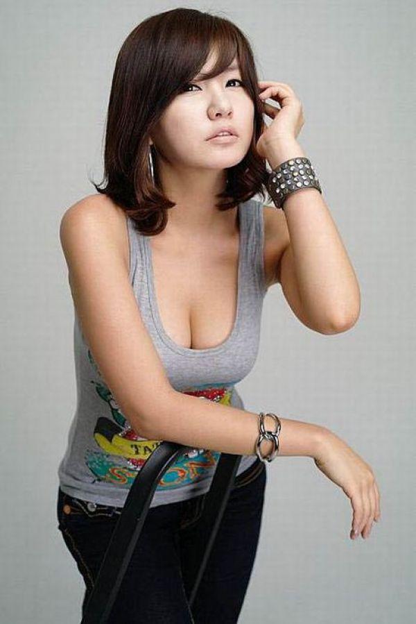 South korean tv beauty anchor
