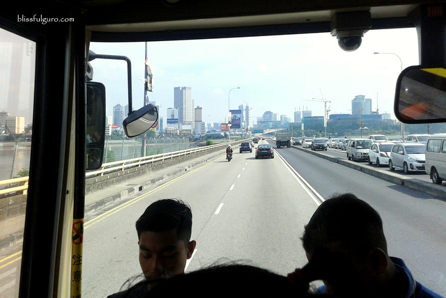 Singapore to Malaysia Border Bus