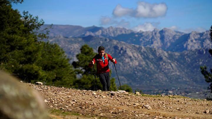 carlos soria kakek 81 tahun yang akan mendaki gunung tertinggi di dunia untuk korban covid 19 - foto reuters juan medina
