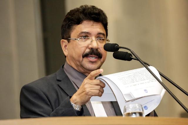 Antonio Fernando defende pagamento de royalties a produtores de energia limpa