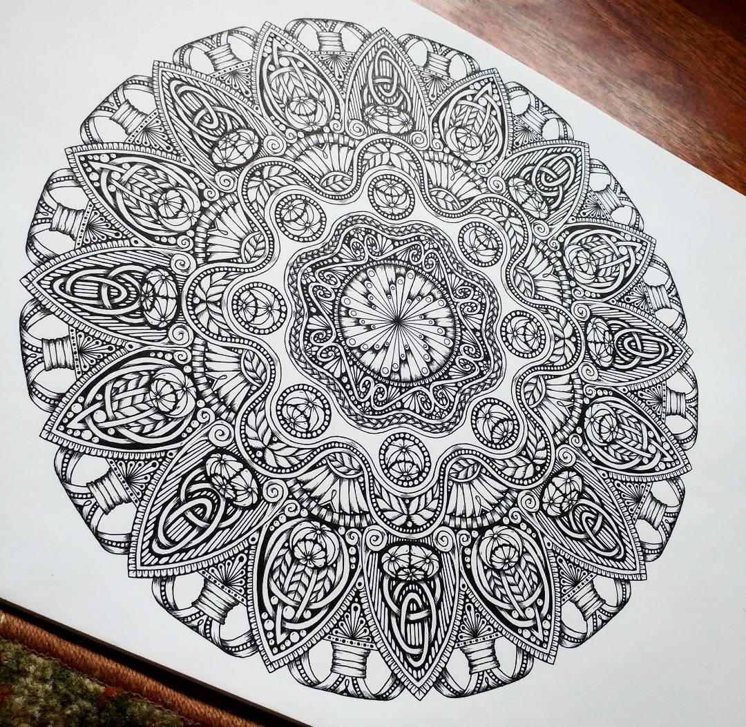07-Jody-Romero-Symmetry-Balance-and-Harmony-in-Mandala-Drawings-www-designstack-co