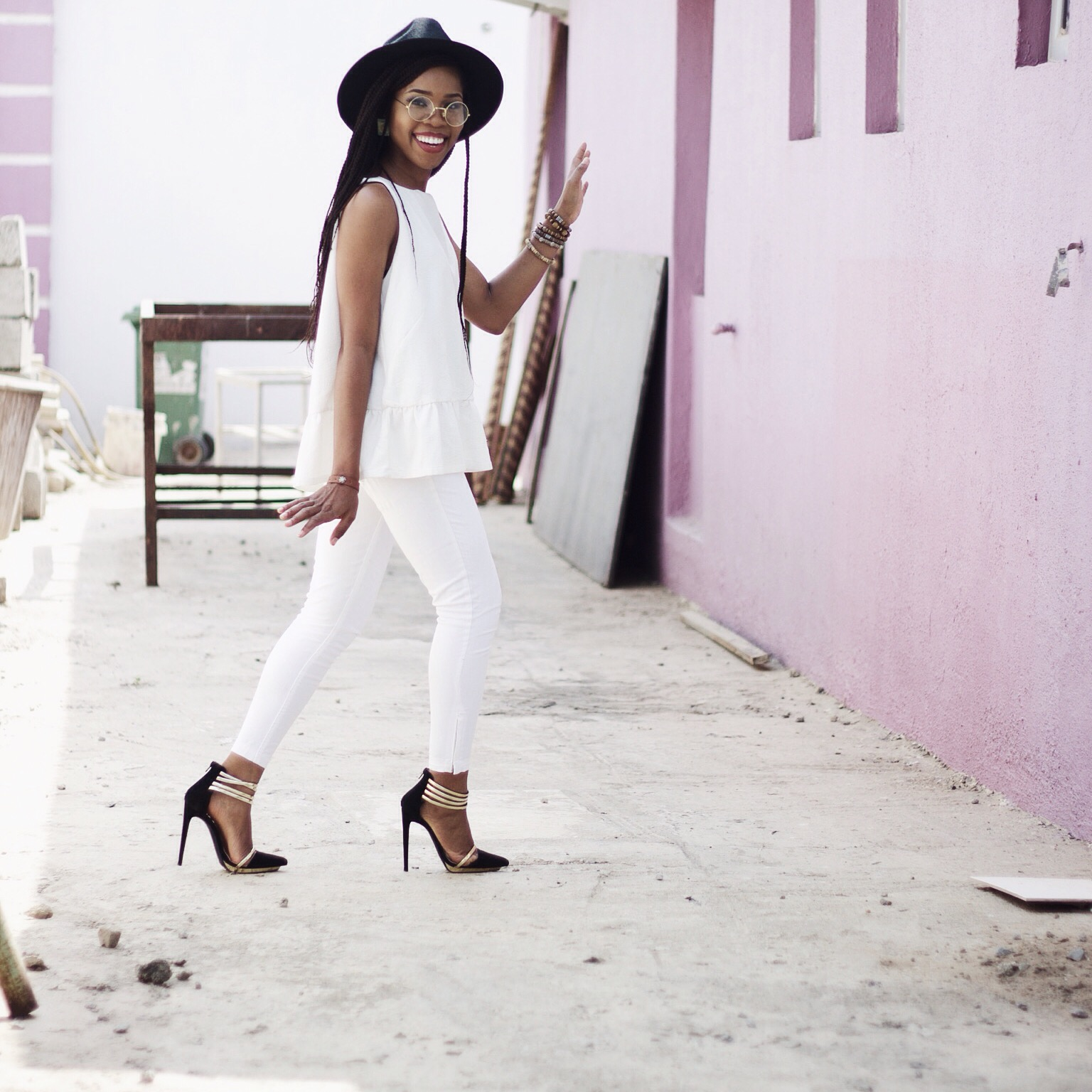 CLASSY AND CHIC WAYS TO WEARING WHITE