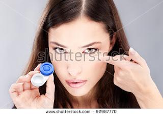 Cara memakai lensa kontak atau shuflent yang baik dan benar Tutorial: Cara Memakai Lensa Kontak