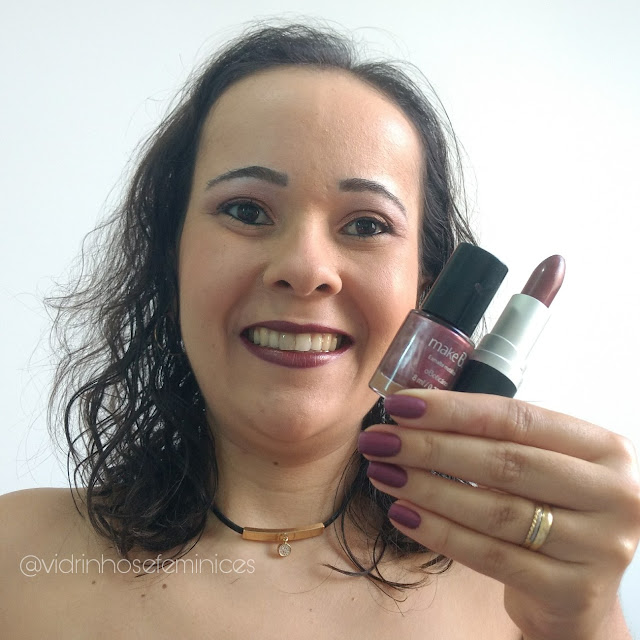 Combinado Make B. Batom Perfeito Metal Glow Cosmic Red + Make B. Esmaltes Metálicos  Purpleasure
