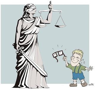 Resultado de imagem para justiça é cega charge
