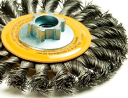 Wheel brush for rust removal from reinforcing steel of concrete