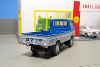tlv Mazda E2000