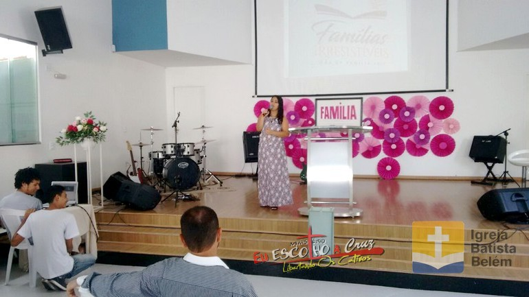 Pastora Carla Ferreira