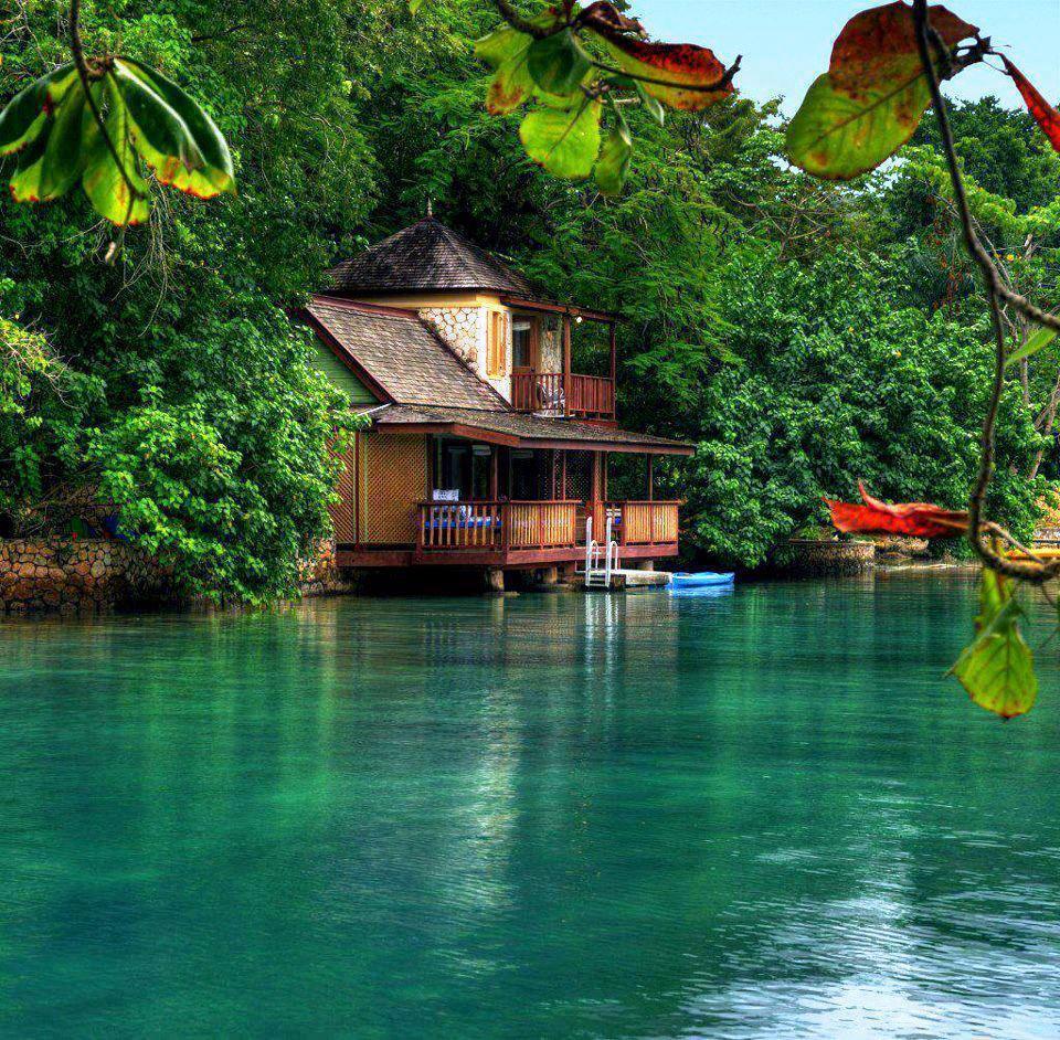 Wallpaper House Beautiful: منتجع العين الذهبية في جامايكا