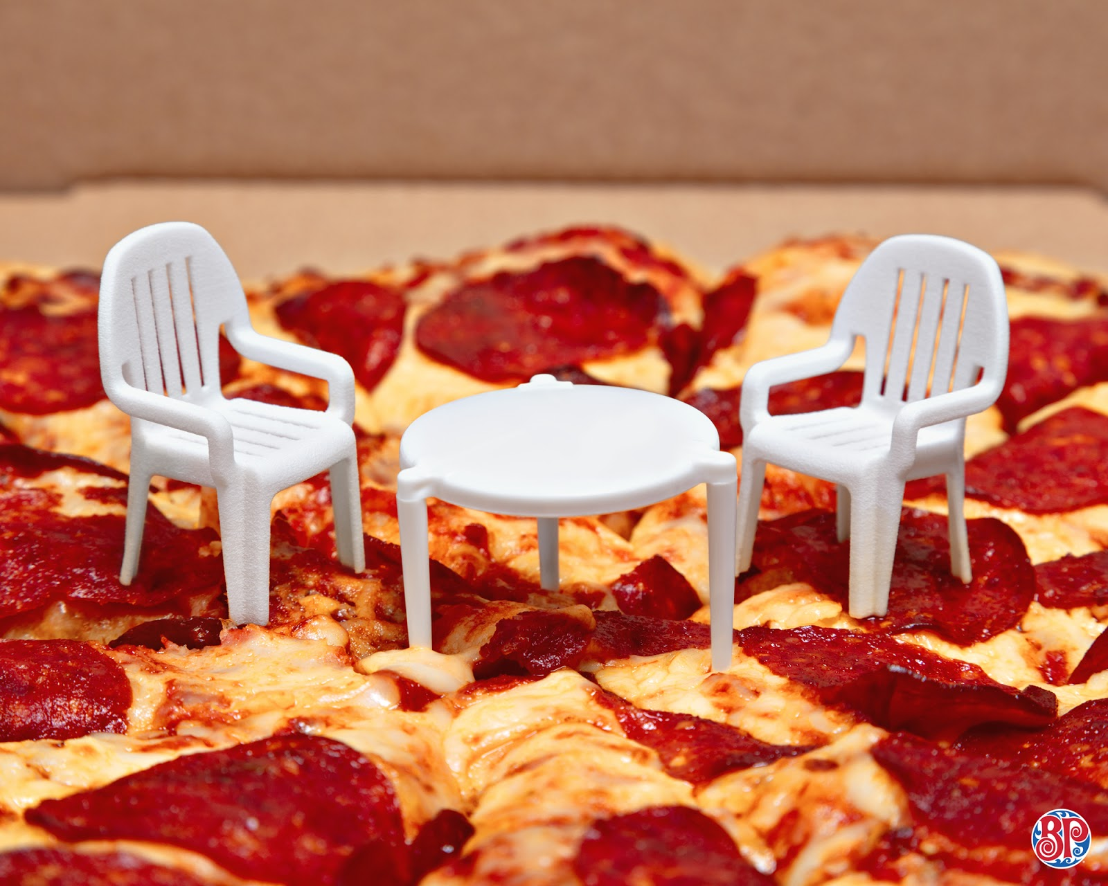 Boston Pizza Miniature Patio Set On Packaging Of The