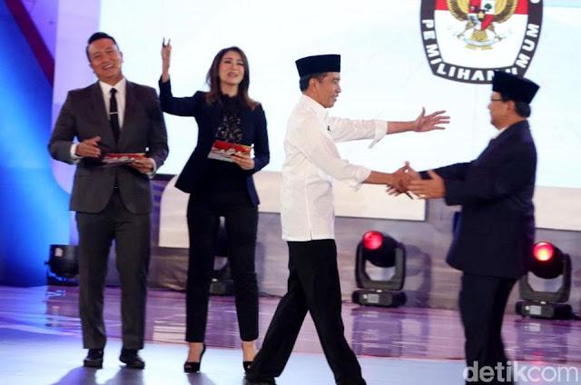 Pengamat: Debat Perdana Capres Kering, Skor Jokowi-Ma'ruf 6 dan Prabowo-Sandi 8