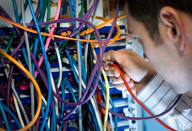 أنابيك - طنجة توظيف 30 عامل لصناعة الماكينات والأجهزة الكهربائية حاصلين على دبلوم تقني