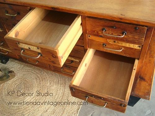 Muebles cajoneros antiguos de madera