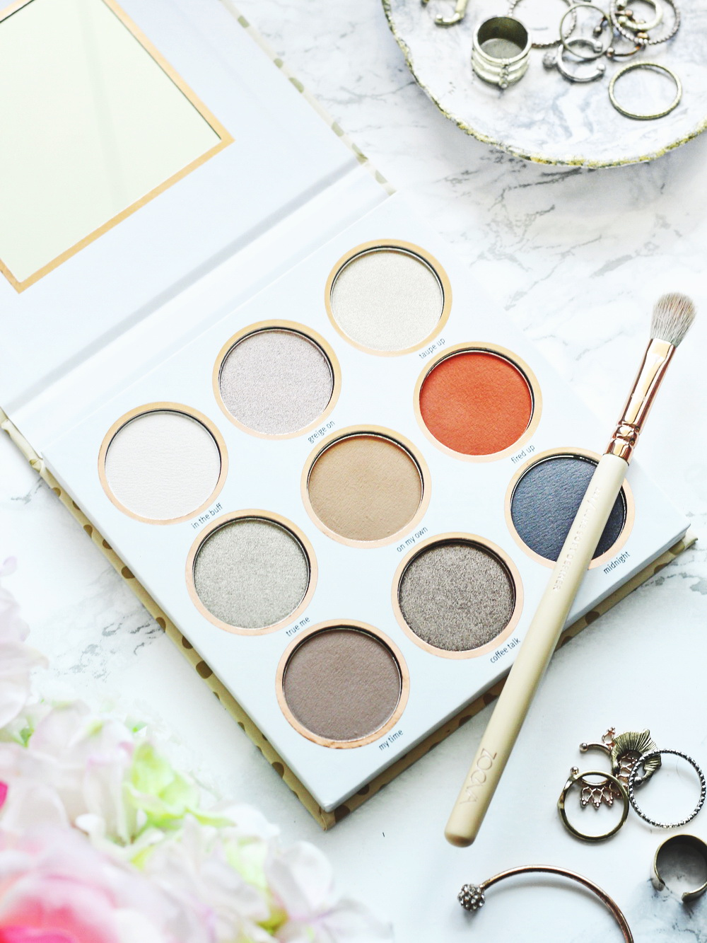 essence be you tiful eyeshadow palette