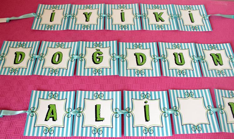 1 yaş doğum günü isimli banner konsept parti etiketleri