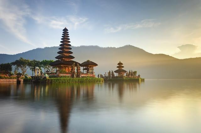 TANAH LOT BALI, Tempat Menarik di Bali, Tempat Mesti dilawati di Pulau Bali Indonesia