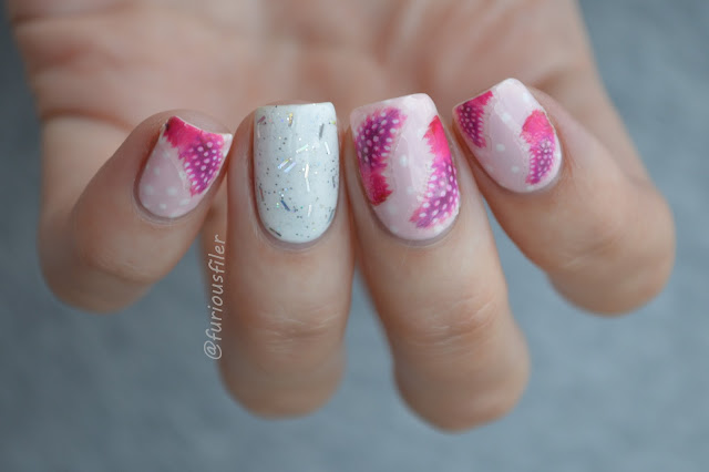 #31dc2015 delicate feather print pink glitter