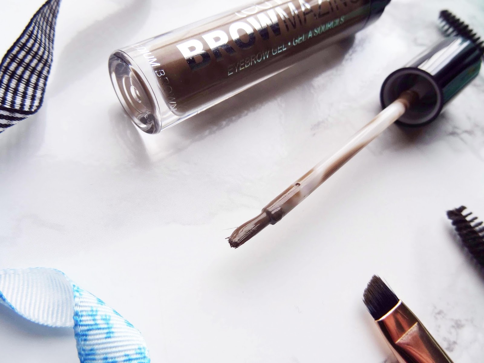 The New Way To Fill In Your Brows Applicator