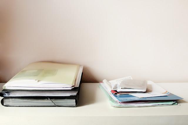 minimalismo destralhe papéis cadernos documentos desapego konmari