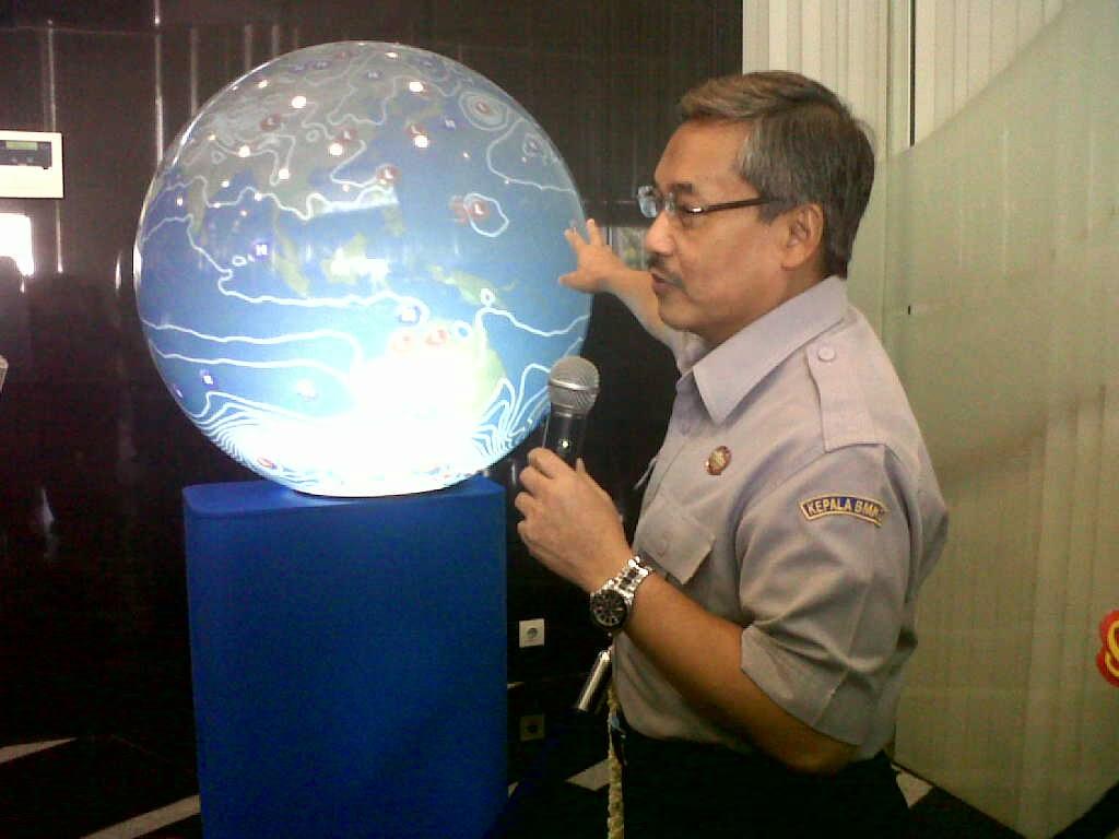Fenomena Cuaca Bumi Dengan With GLOBE BMKG Jakarta Forum