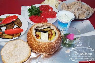 бутерброд в хлебе в духовке