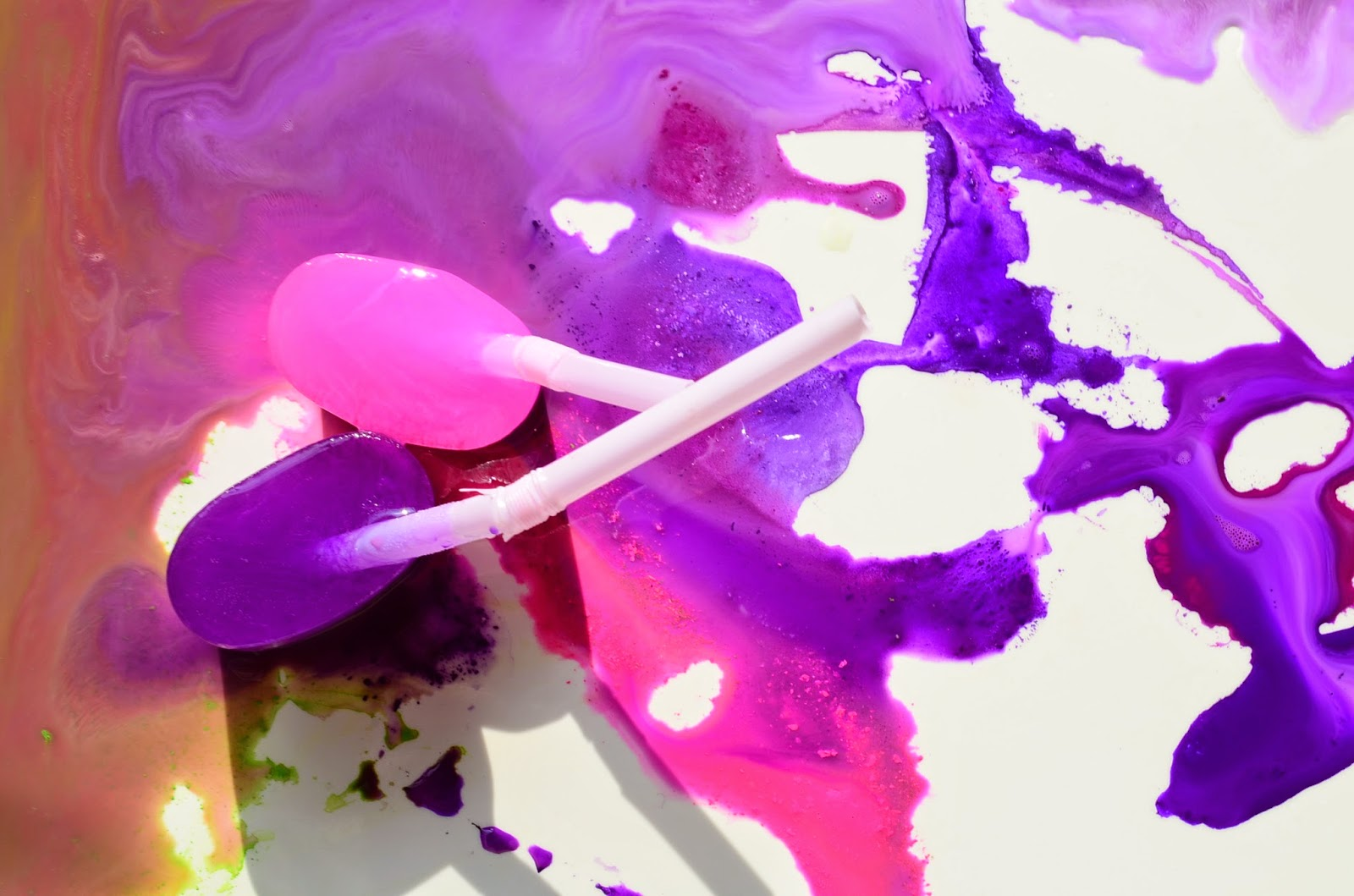 13 Non-Traditional Art Supplies for Preschoolers: Ice
