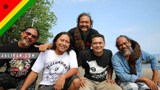 Lirik Lagu Bernyanyi Menari Joni Agung & Double T Band