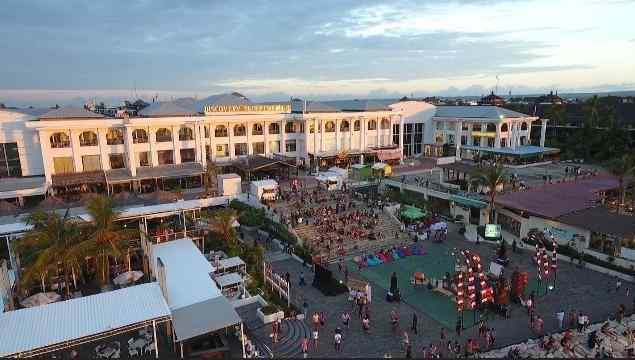 Discovery Shopping Mall tempat belanja wajib