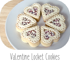 http://www.ablackbirdsepiphany.co.uk/2014/02/valentine-locket-cookies.html