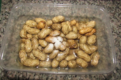 Salted boiled groundnuts.