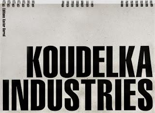 Couverture du livre Industries du photographe Josef Koudelka