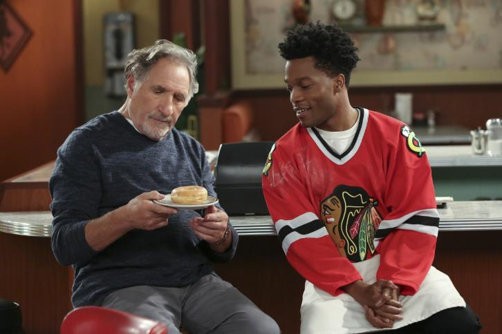 Superior Donuts - Episode 1.01 - Pilot - Sneak Peeks, Promotional Photos & Press Release