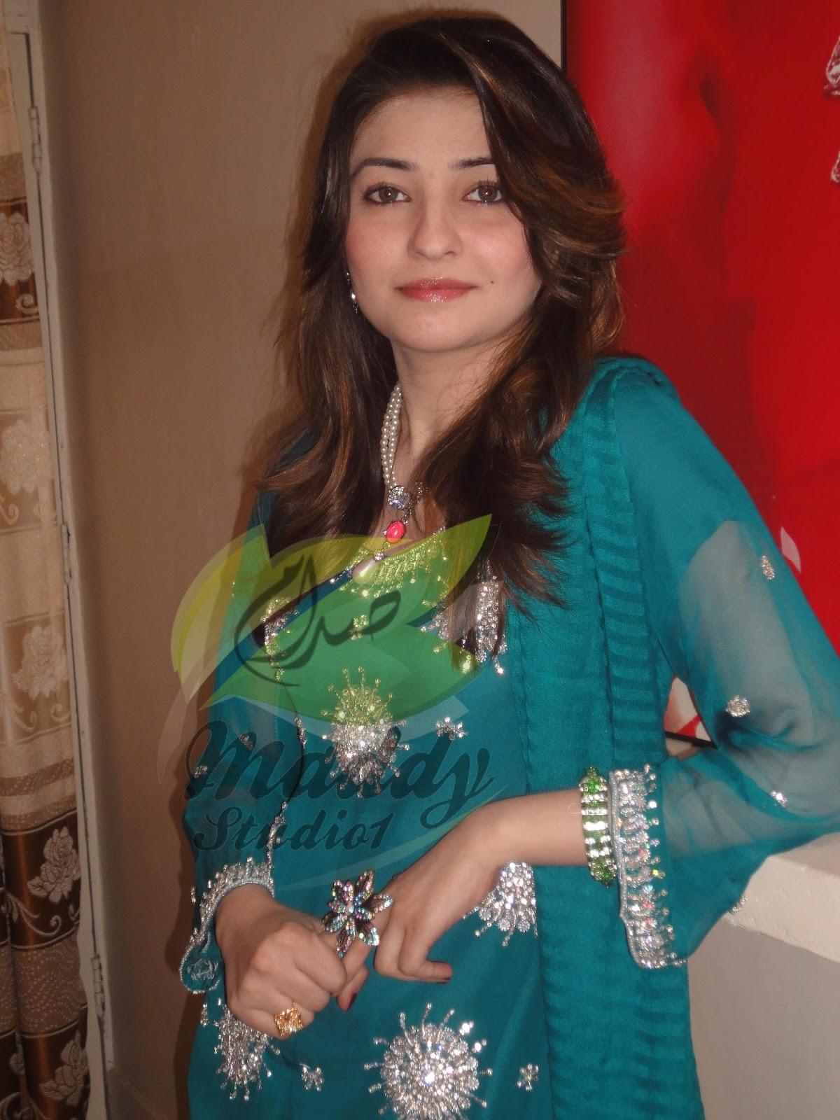 Young teen xnxx pashto girls