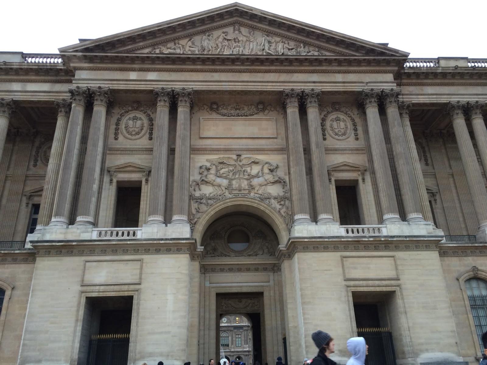 ルーブル宮東側正面(Colonnade de Perrault)